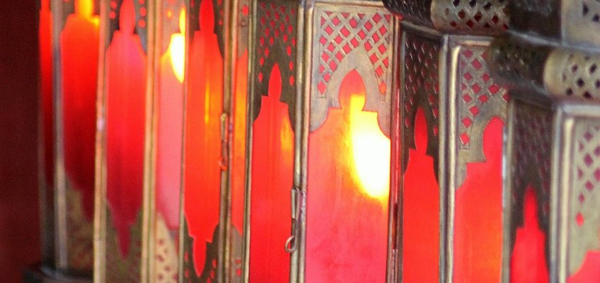 As we have seen, lamps are a big thing in Morocco; these shine a beautiful warm red, mirroring the culture so well.